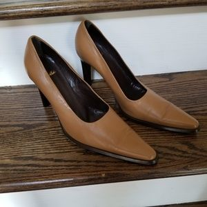 Sophisticated Rivista Italian Leather Pumps